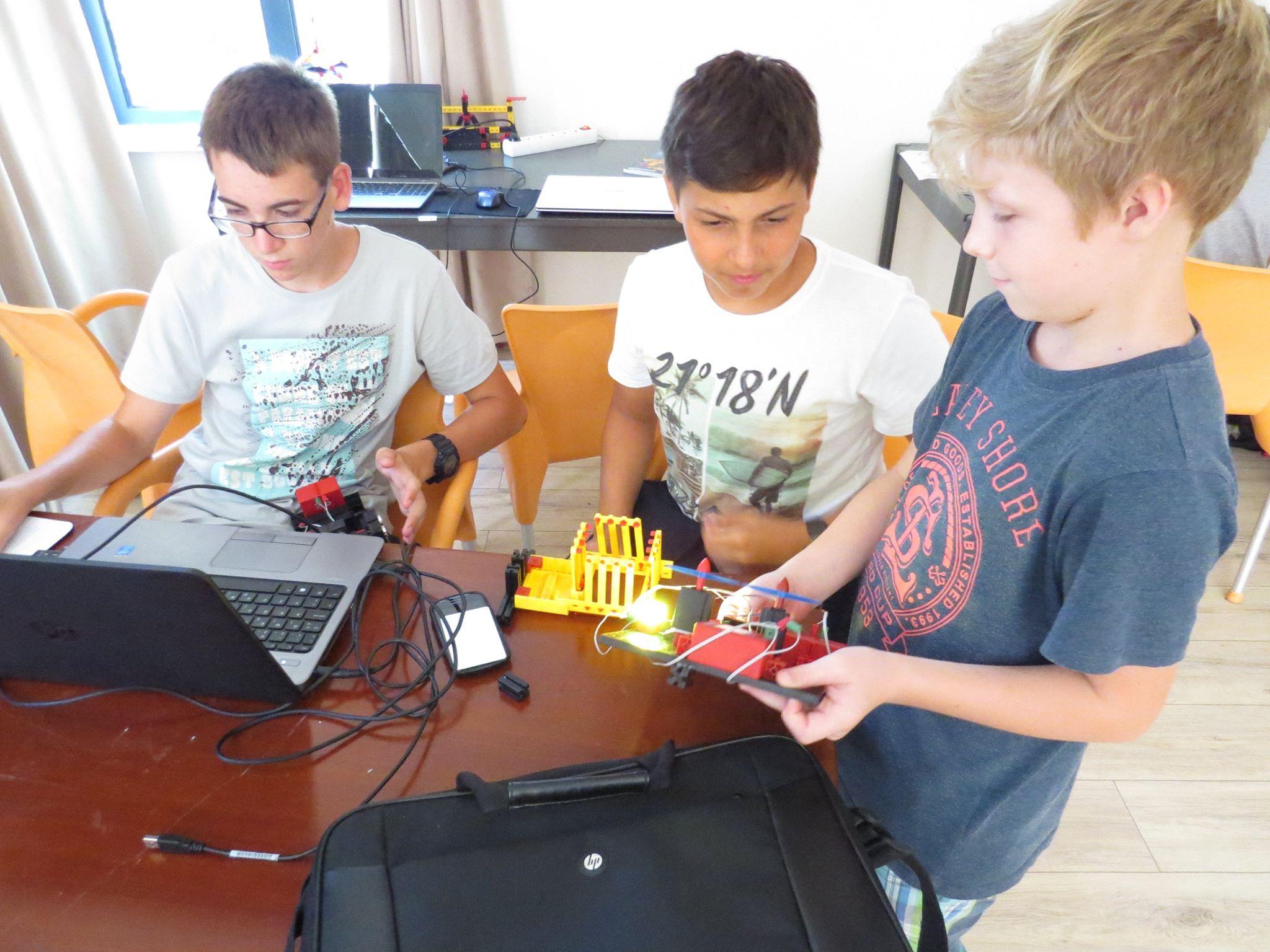 Robotički kamp Vrboska 2106